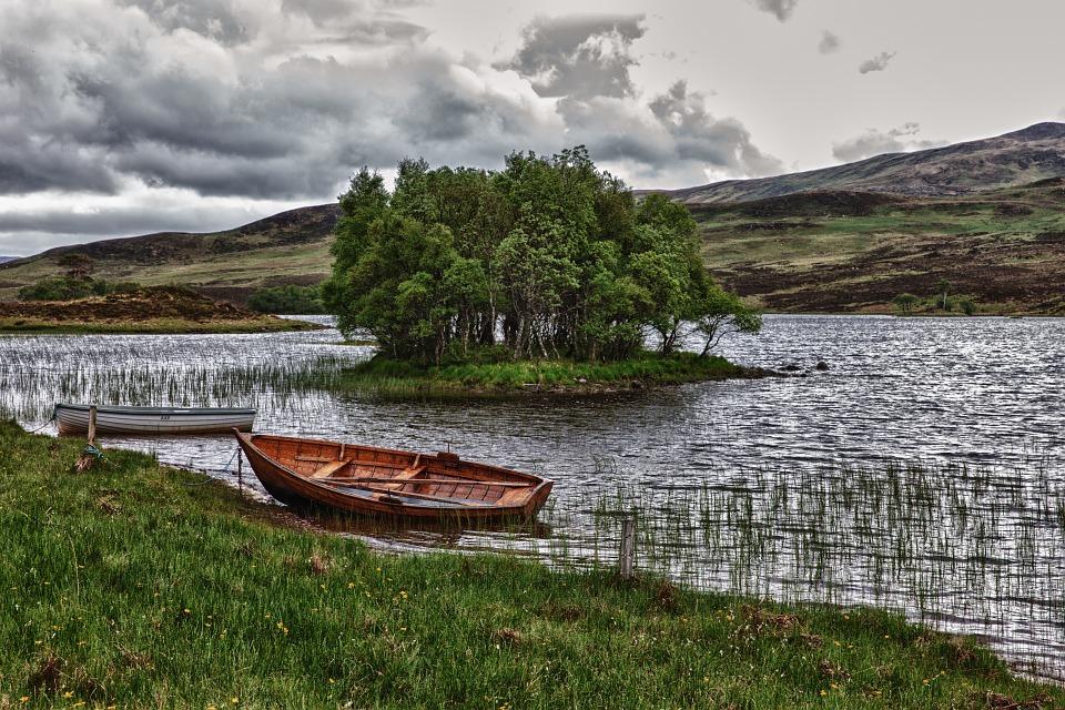 Båd i sø